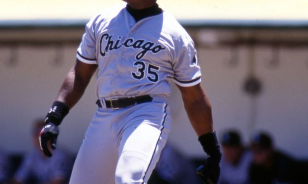 Frank Thomas hits three homers for the White Sox, becoming the Sox career home run leader