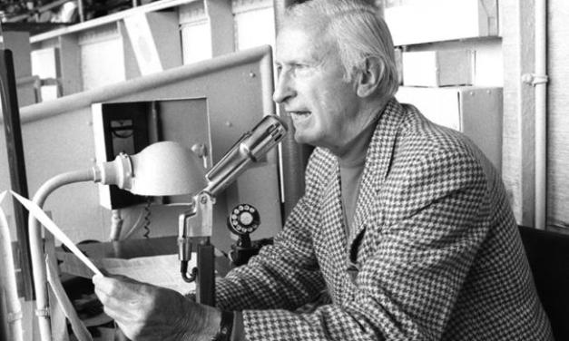 New York Yankees Public Address announcer Bob Sheppard officially retires at the age of 99