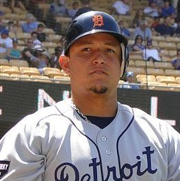 Miguel Cabrera clinches the AL Triple Crown, becoming the first player to do so since 1967