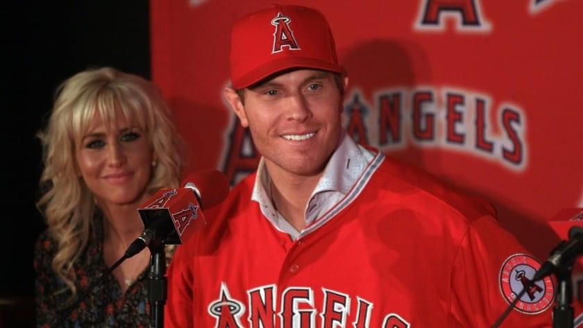 2012 – 2010 AL MVP Josh Hamilton, fresh off a 43-homer season, leaves the Texas Rangers to sign with the Los Angeles Angels for 5 years and $125 million, while Andres Torres signs with the Giants for one year and a considerably smaller salary.