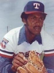Texas Rangers re-acquire future Hall of Famer Ferguson Jenkins from the Boston Red Sox