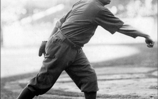"""Cincinnati Reds purchase pitcher Mordecai """"Three Finger"""" Brown from the Chicago Cubs"""