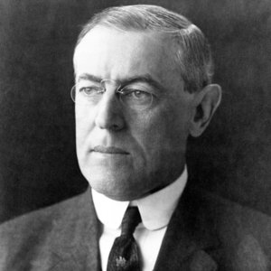 Woodrow Wilson becomes the first President to attend a World Series game