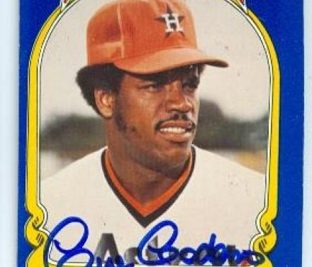 After 12 seasons as an Astro OutfielderCesar Cedenois traded to Cincinnati for infielderRay Knight