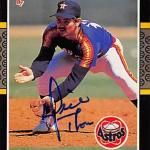 Dickie Thon autographed Baseball Card (Houston Astros) 1987 Donruss #261