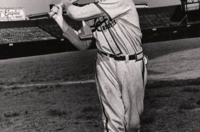 Red Schoendienst hits home runs from both the left and right side of the plate