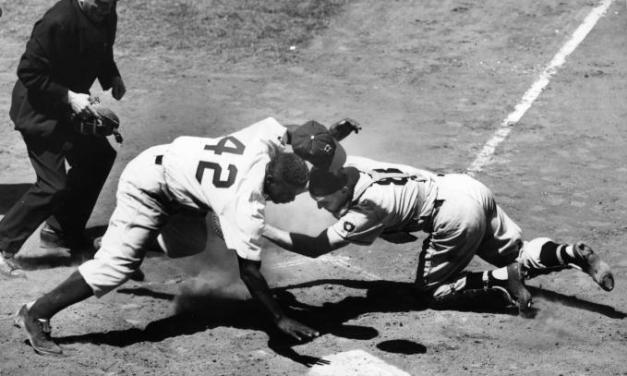 Jackie Robinsonstealssecond and third base, then steals home on the front end of atriple stealwithGil HodgesandSandy Amorósin the 6th inning against thePittsburgh Pirates. TheBrooklyn Dodgerswin, 6 – 5, in 13 innings, when Robinson doubles homeJunior Gilliamwith the winning run.