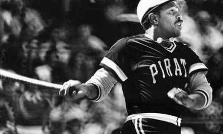 Willie Stargell hits the longest homerun in the history of Veterans Stadium