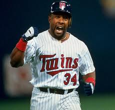 Kirby Puckett ties a major league record by collecting four doubles in a game