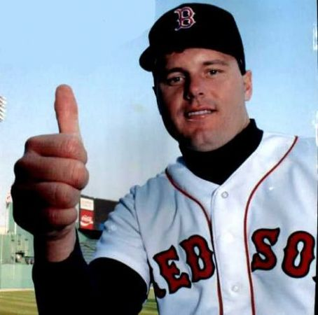 Boston Red SoxpitcherRoger Clemenssigns a four-year $21,521,000 contract extension, making him baseball's highest-paid player
