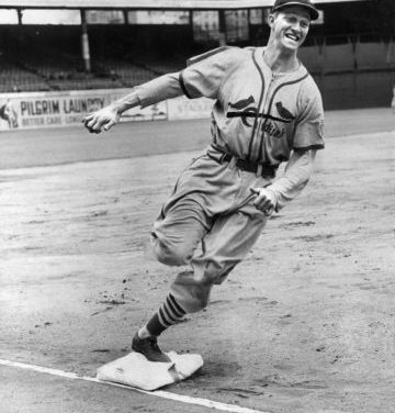 Stan Musial breaks Honus Wagner's record for most hits in National League history