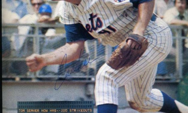 Tom Seaver makes his final appearance for New York Mets