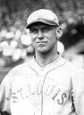 TheBrowns'George Sislerpitches a complete game against theIndians, losing, 1 – 0, toGuy Morton.