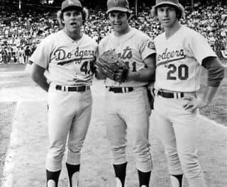 The Dodgers take game 2 of 1974 Series behind Don Sutton