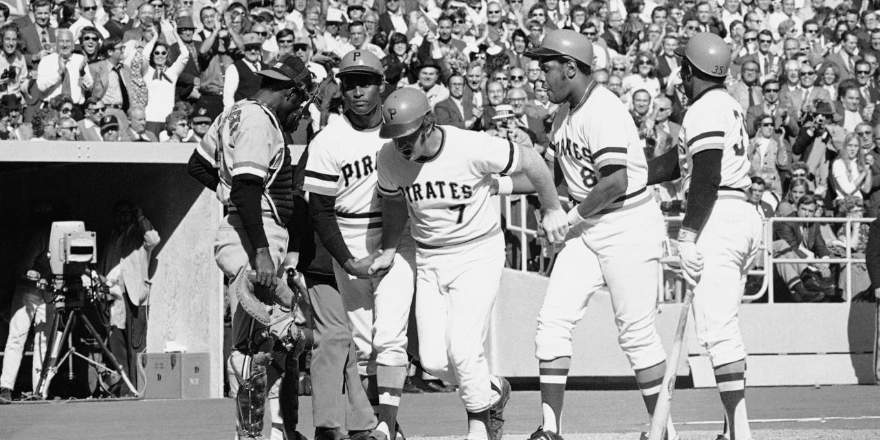 Robertson misses a sign and blasts a 3 run homer in game 3 of 1971 World Series