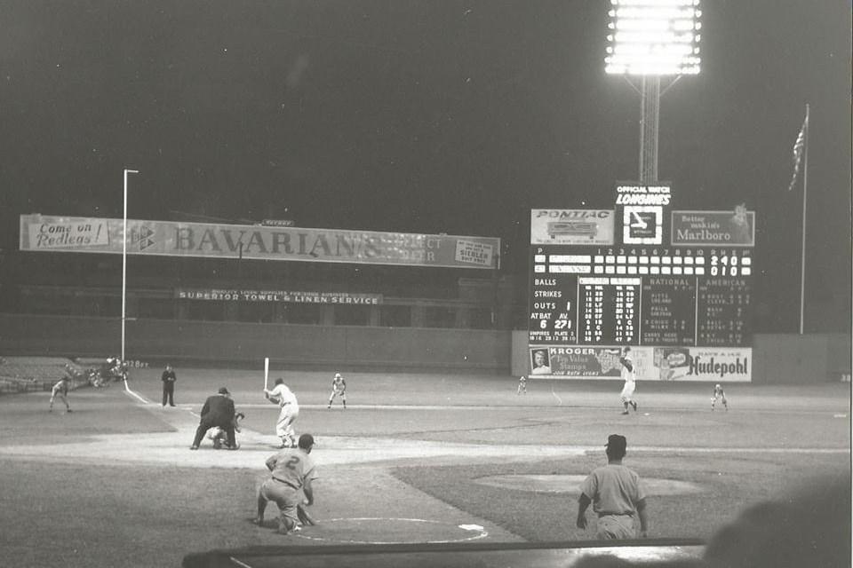 Stan Musial at bat at Crosley Field