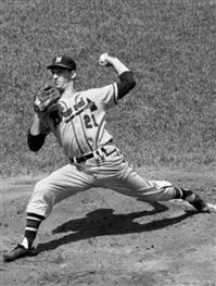 Warren Spahn tops the Mets 5-2 on 3 hitter Hank Aaron and Gil Hodges homer