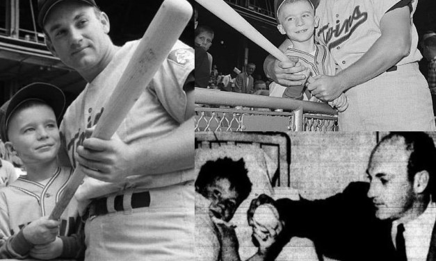 Harmon Killebrew pays a visit to 8-year-old John Guiney in a New York hospital.