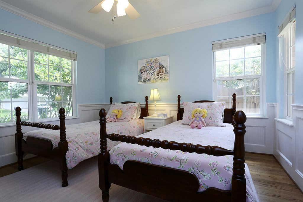 16 Beautiful Examples Of Light Blue Walls In A Bedroom