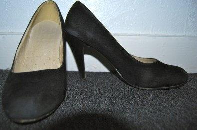 black shoes (bought when my feet hurt in SF!)