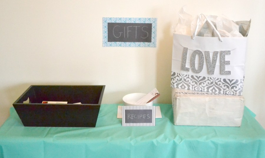 A Laid-back Open House Couples Shower - Gift Table | www.thisgratefulmama.com