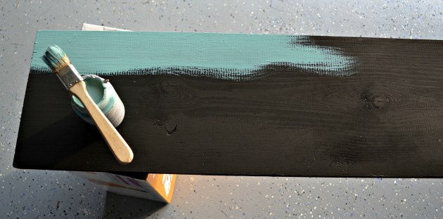 Layer with a contrasting color of paint