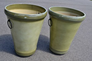 A Fun Weekend Project - Spray Painted Flower Pots | thisgratefulmama.com