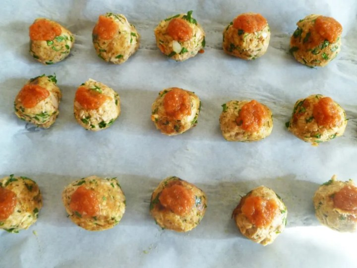 Penne Marinara with Tuna Meatballs -- Simple marinara sauce with herb-flavoured tuna meatballs. | thishappymommy.com