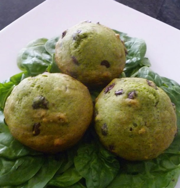 Spinach Chocolate Chip Muffins -- sweet, veggie packed muffins with chocolate chips throughout #lowfat | thishappymommy.com