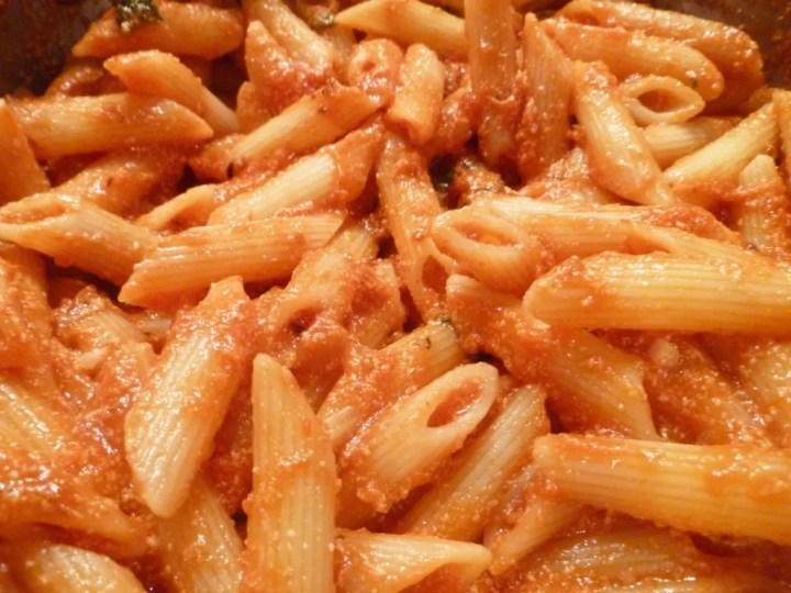 Cottage Cheese Tomato Sauce | cottage cheese pasta sauce | 20 minute meal |
