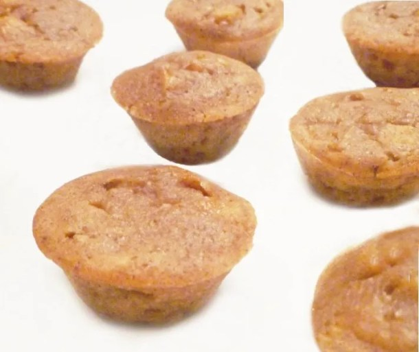 Apple Pie Cake Bites -- Wow! These mini desserts are amazing! All the flavours of apple pie baked into a moist and cakey two-bite treat. | Clean Eating Desserts | Easy to Make Sweet Treat Desserts | Easy Healthy Cake Dessert Recipe | Simple and Light Dessert | Easy Cake Recipes | #dessert #recipe #apple #cake #minidessert | thishappymommy.com
