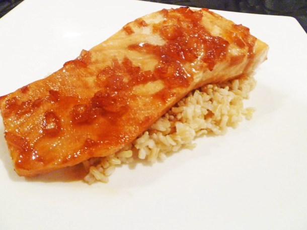Cranberry Glazed Salmon -- Sweet and subtle salmon that burst with cranberry flavour.   thishappymommy.com
