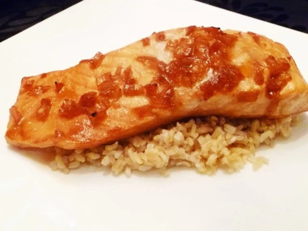 Cranberry Glazed Salmon -- Sweet and subtle salmon that burst with cranberry flavour. | thishappymommy.com