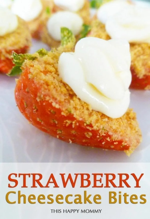 Strawberry Cheesecake Bites -- The combination of strawberry, graham cracker crumble and cheesecake, make this skinny dessert completely irresistible. It's a perfect treat for kids and adults alike. No one can get enough of these sweet and creamy treats. #lowfat #healthydessert #eayrecipe #recipe #dessert #cheesecake | thishappymommy.com
