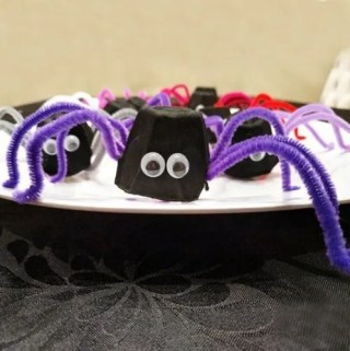 Give your Halloween a fun surprise. Whether you are hosting a Halloween meal or simply tricking the people in your family, Trick-Or-Treat Halloween Spiders are the perfect way to add some festive fun to any meal.