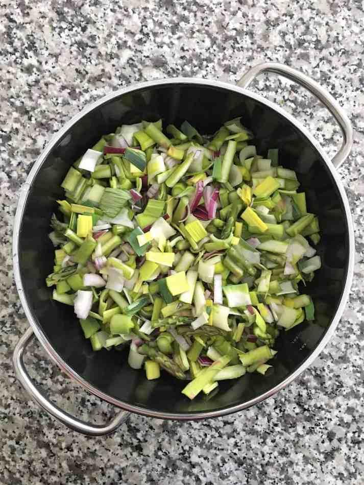 leek and asparagus in large skillet