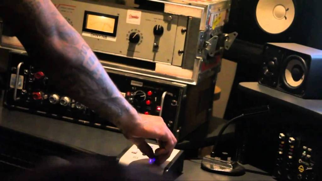 "Lloyd Banks x Ryan Leslie – The Making Of So Forgetful – Off of ""On The Road To HFM2"""