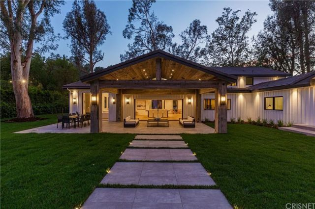 'Keeping Up With the Kardashians' star Scott Disick lists $6.9m Hidden Hills contemporary farmhouse