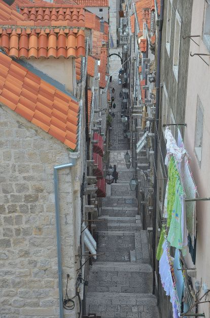 Narrow alley like this one is a normal scene in Dubrovnik. I nearly lost my life scaling hundreds of steps of the City Old Wall. Definitely not going to risk another attempt to waste my energy on this set of petite stairs.