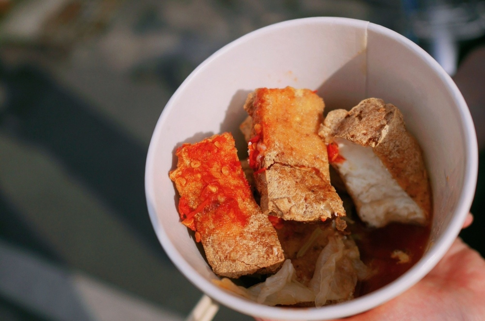 台東美食。福原豆腐|油鍋中的白水蓮