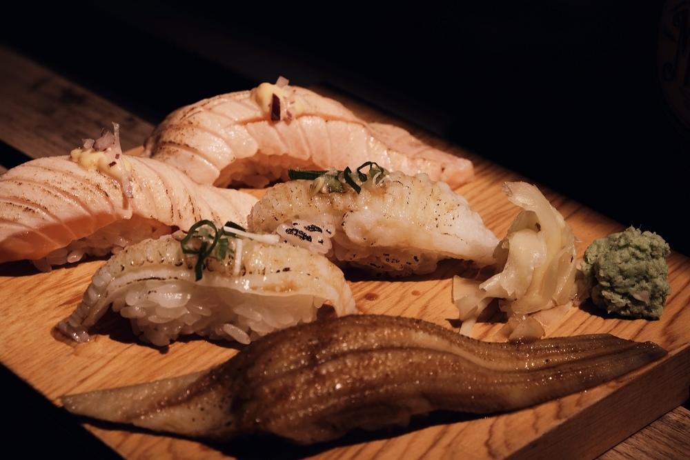 台北美食。上引水產|大型水產複合式餐廳,給你複合式的視覺體驗。