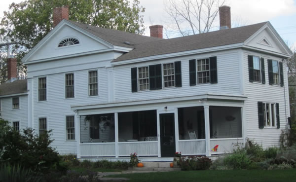 Pequot Bed And Breakfast