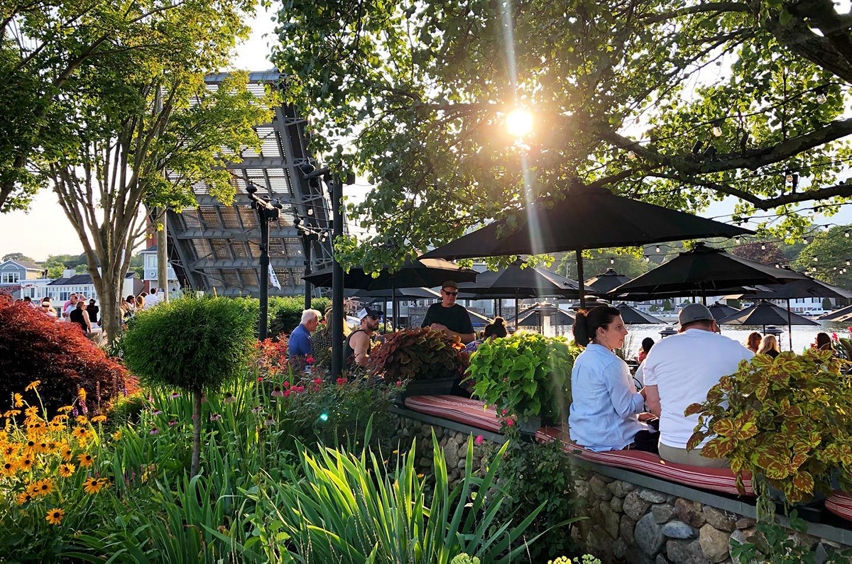 S&P Oyster Outdoor Dining