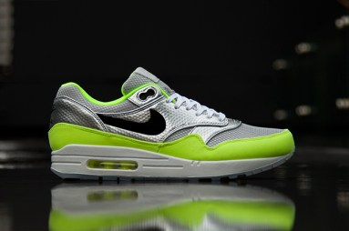 NIKE-AIR-MAX-1-FB-PREMIUM-QS-MERCURIAL-PACK-1