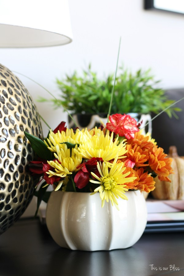 easy fall vignette - simply fall decor 1 - this is our Bliss