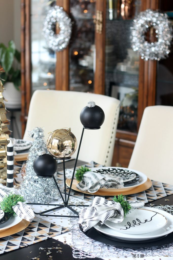A Merry and Metallic Christmas Dining Room and Glam Tablescape | This is our Bliss Christmas Home Tour 2016