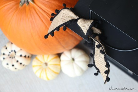 Fall front porch - a touch of gold - painted pumpkins & lanterns & hay & cornstalks - DIY 4
