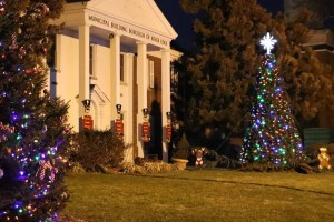 River Edge Borough Hall with holiday decorations