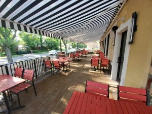 River Edge Diner Outdoor Seating
