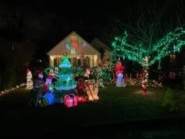 Holiday Lights in River Edge | www.ThisisRiverEdge.com
